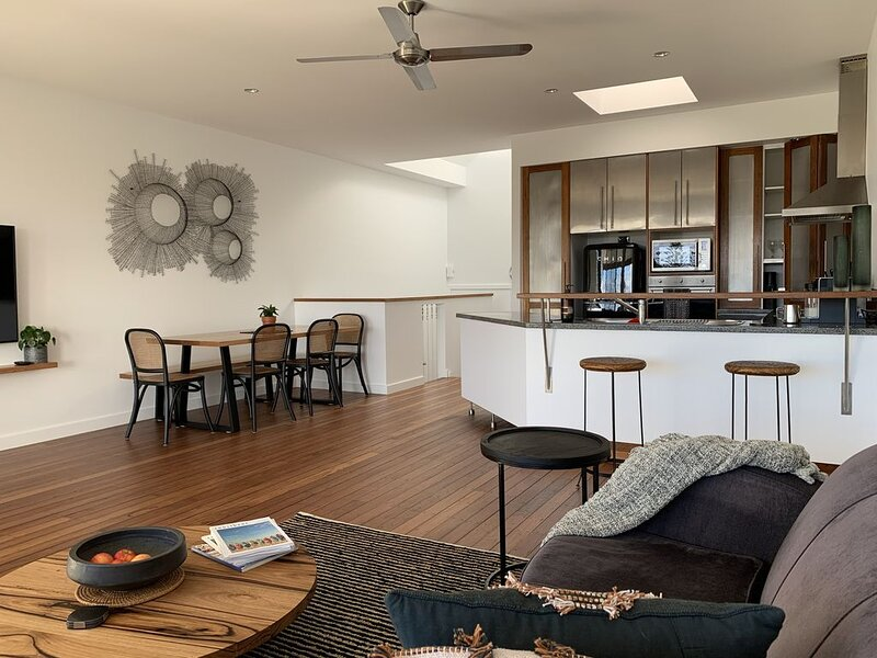 Jetty Boatsheds   Luxury Town Home with a View, location de vacances à Sawtell
