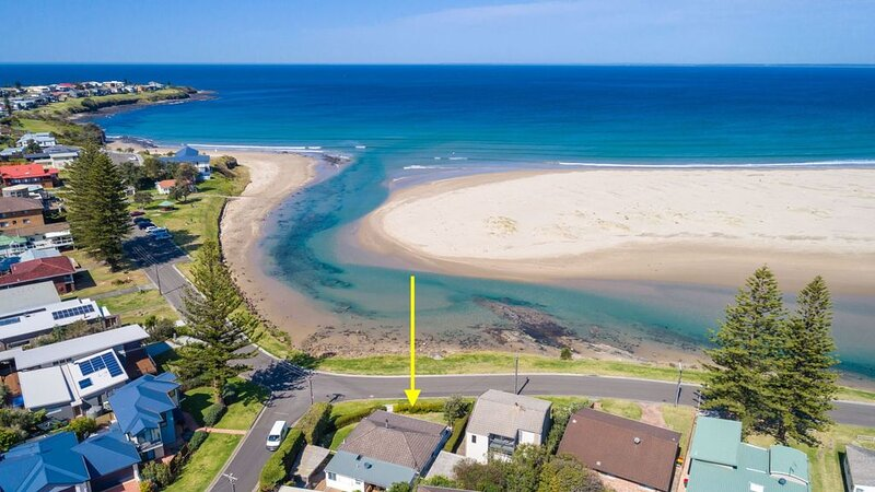 THE BEACH HOUSE, Gerroa -  4pm check out Sundays!, holiday rental in Gerroa