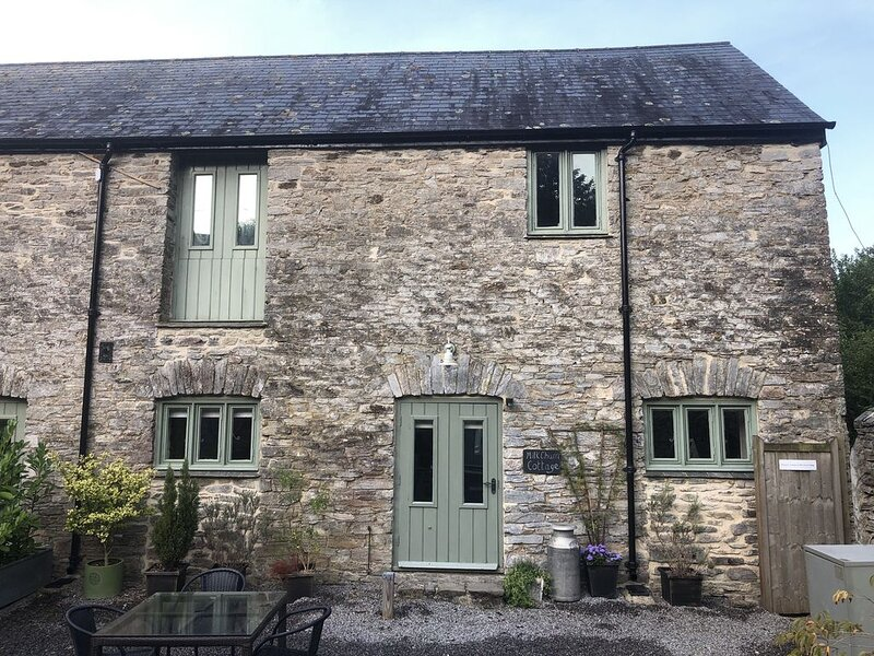 Two bedroom stone cottage near Dartmoor and Devon beaches, vacation rental in Landscove