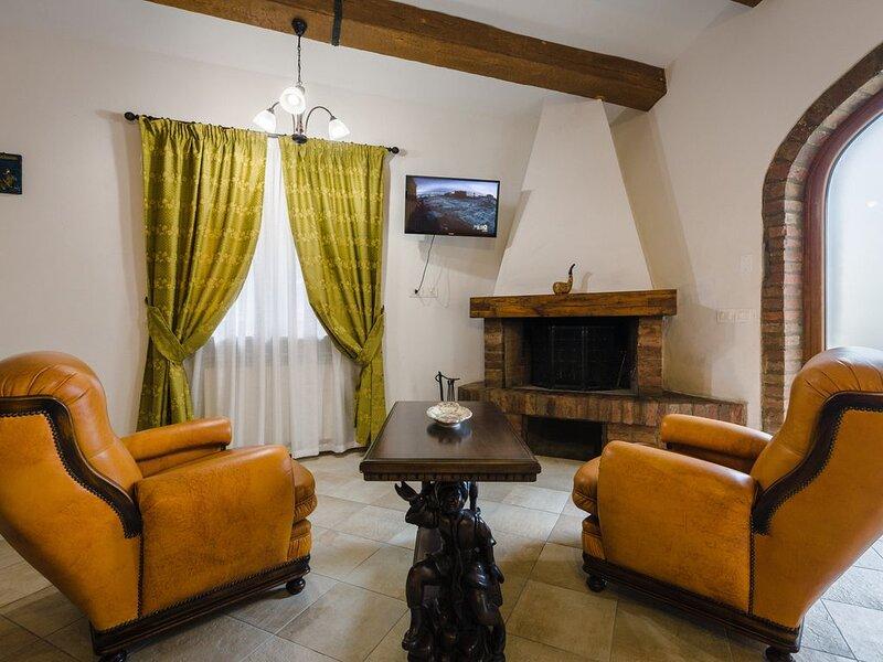 Country House nel cuore della Toscana, Terme a 1km, Wifi gratuito, holiday rental in Rapolano Terme