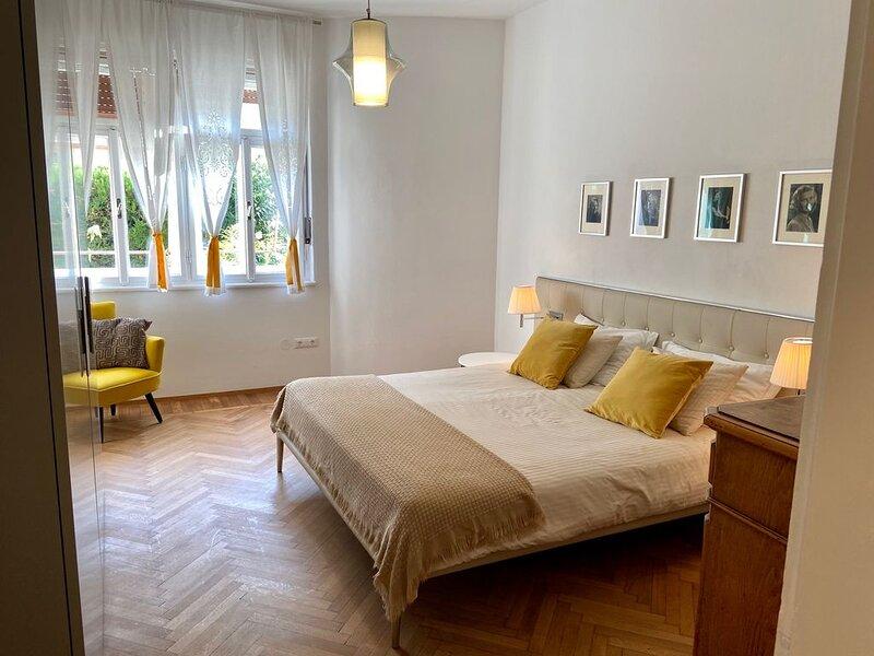 intero appartamento, 90mq, facile da raggiungere, a 10 min a piedi dal centro, casa vacanza a Naturno