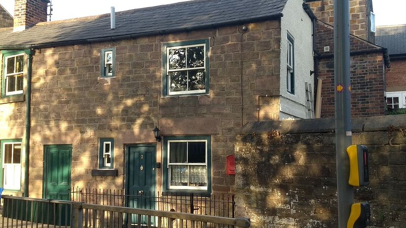 Beautiful Traditional Stone Cottage In the Amber Valley, holiday rental in Belper