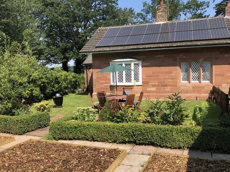 The Gardener's Cottage, near Brampton & Hadrian's Wall, pets welcome, gardens, location de vacances à Carlisle