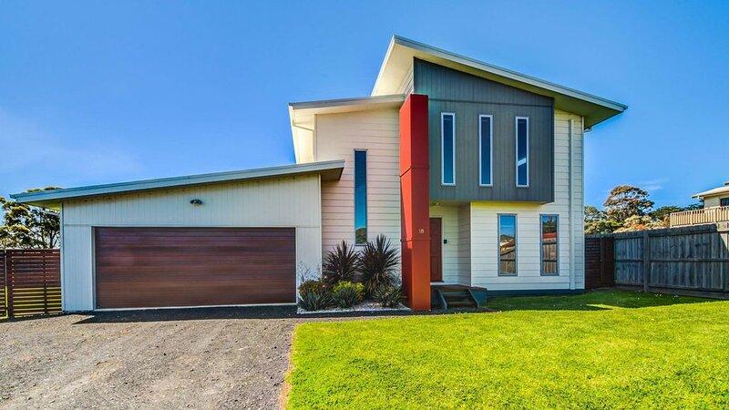 Casa Killara - sleeps 14, holiday rental in Cowes
