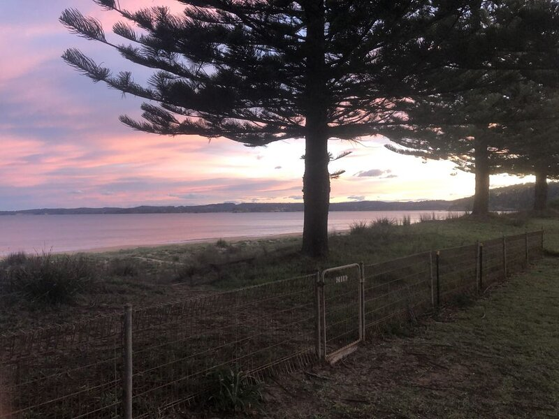 Sandy Place 30 Beach side Living, vacation rental in Durras North