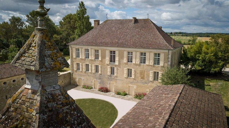 Grande maison de Maître avec piscine privée - Classé 4* par les Gites de France, vacation rental in Aubiet