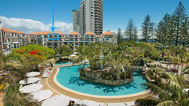Calypso Plaza Resort Unit 417 Two bedroom unit in resort style complex central C, holiday rental in Coolangatta