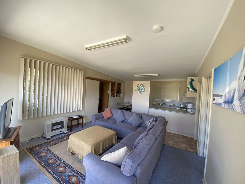 Surf Beach Sanctuary, holiday rental in Batehaven