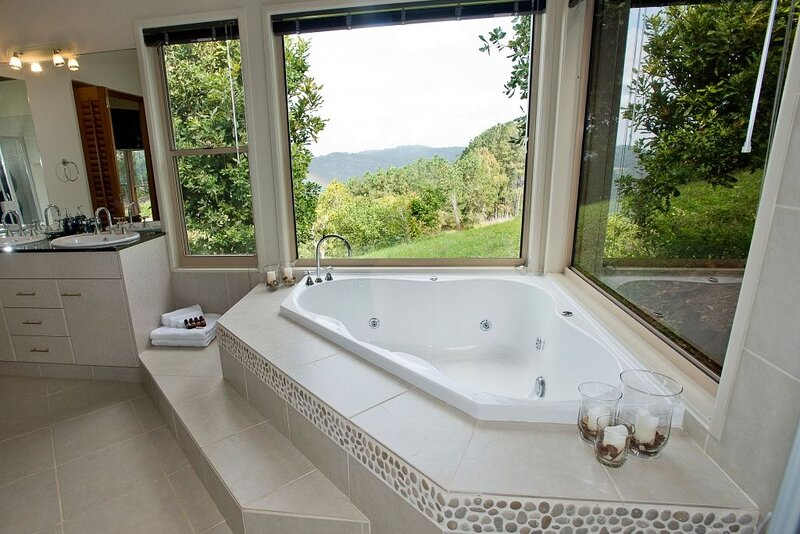 Bungalow 6 - located at Gold Coast Hinterland, holiday rental in Mount Warning