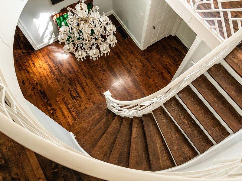 Luxurious Historic Estate - 8300ft², 7 bedrooms, 8.5 bath, on 2 acres in Village, aluguéis de temporada em Ellerbe