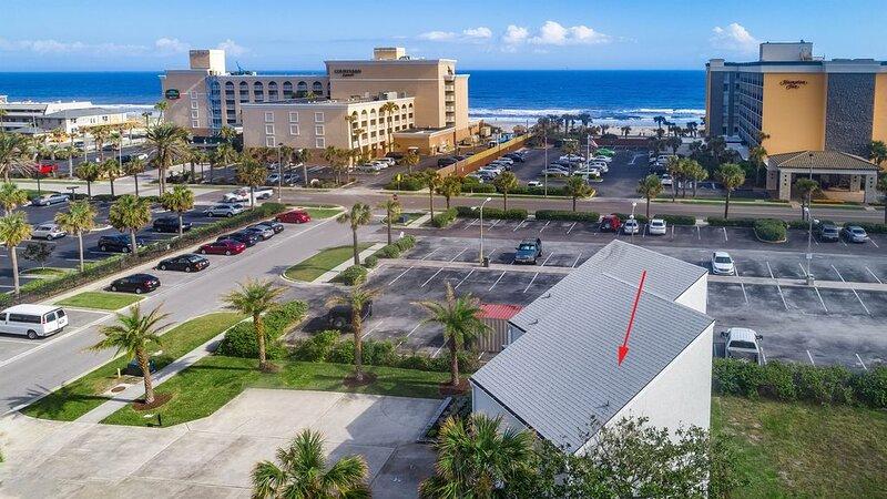 Gentle Breeze Luxury Duplex with balcony, casa vacanza a Atlantic Beach