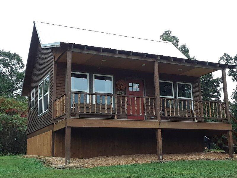 Private Cabin Near Kings River, location de vacances à Huntsville