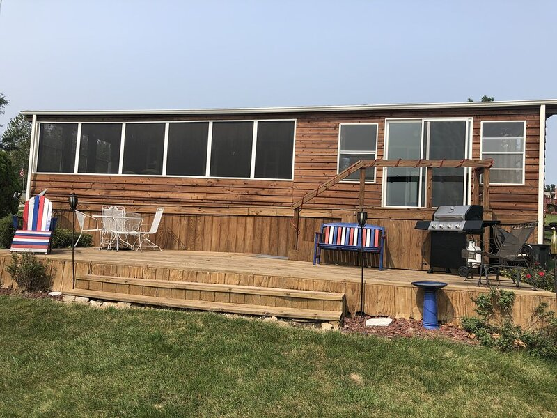 Waterfront lake home at Sun Valley Lake- 1 hour 15 minutes south of Des Moines, vacation rental in Lamoni