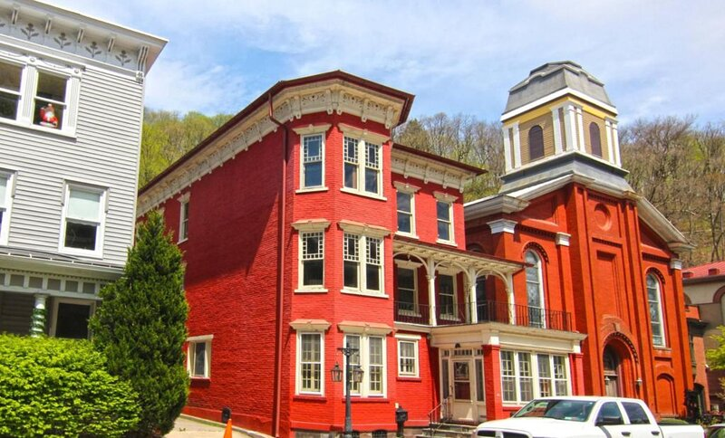Victorian Mansion in the heart of historic Jim Thorpe, holiday rental in New Tripoli