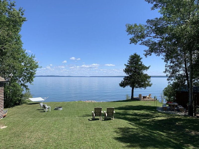 Private waterfront cottage on beautiful Manitoulin Island, vakantiewoning in Birch Island