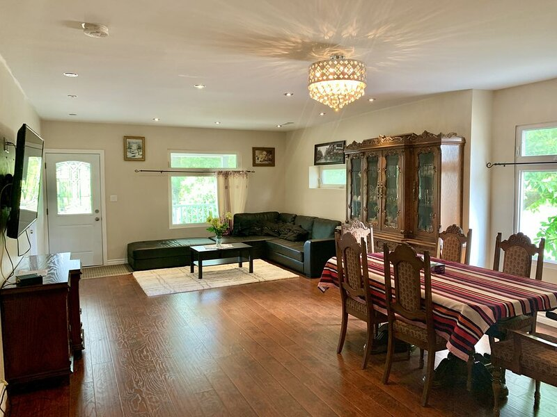 New & cozy Niagara getaway. 5 min drive from the falls, vacation rental in Queenston