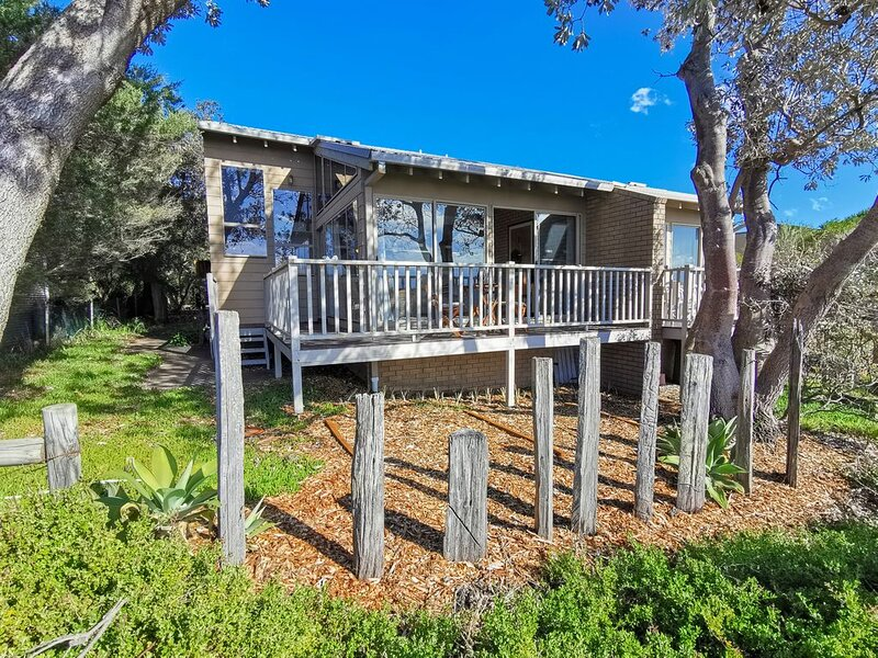 The Outlook - Quiet and Tranquil with Lovely Views, location de vacances à Bermagui