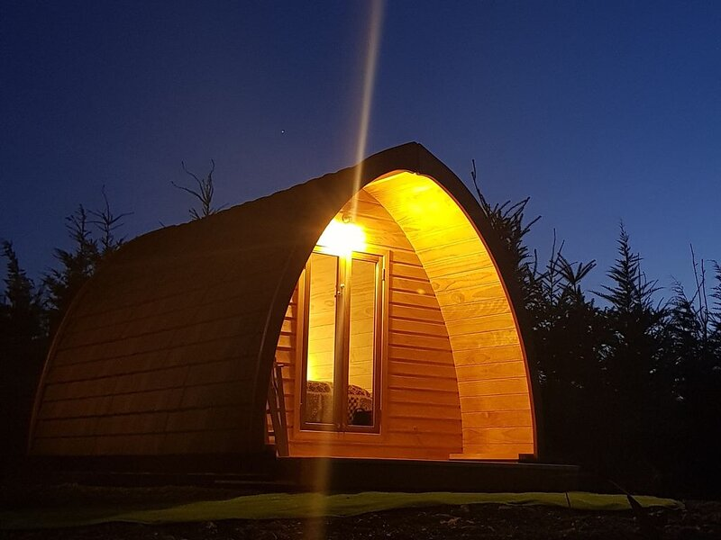 Glamping in a hut with a superb mountain view, holiday rental in Canterbury Region