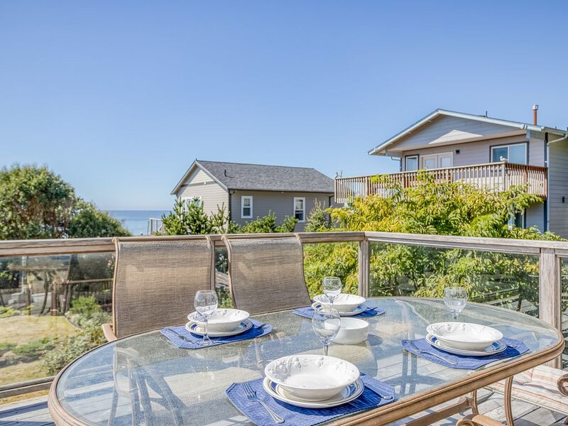 Beautiful Roads End Home with Ocean Views, Hot Tub, & Fire Pit, vacation rental in Otis