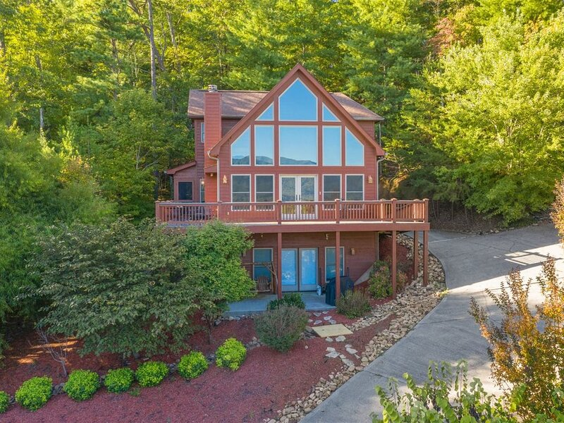 Breathtaking view at the top of Laurel Valley in Townsend, holiday rental in Maryville