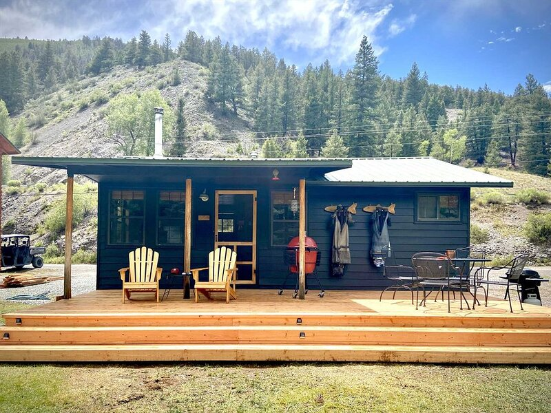 Driftwood - Ox Yoke #8 - Newly Updated Cabin That Sits Along the Lake Fork of th, holiday rental in Lake City