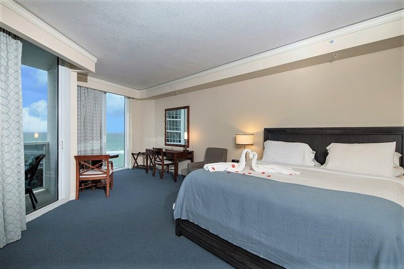 Luxurious 1BR Suite at Trump Beach Resort, location de vacances à Sunny Isles Beach