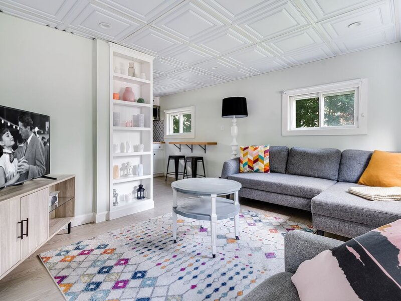 Budget-Friendly Small One Bedroom /Studio in Downtown Mystic, alquiler vacacional en Groton