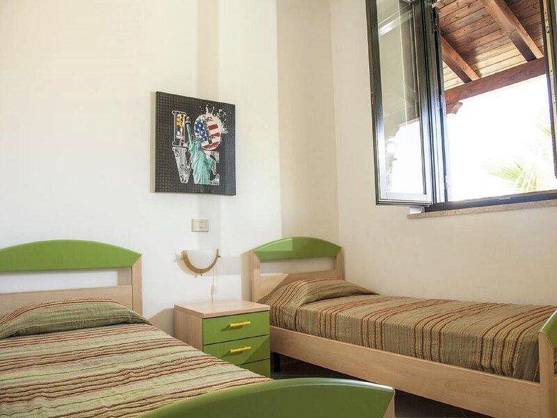 Classy Apartment in Campofelice di Roccella near Beach, holiday rental in Buonfornello