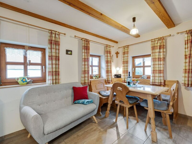 Detached wooden holiday house in the Bavarian Forest with sun terrace and garden, holiday rental in Lower Bavaria