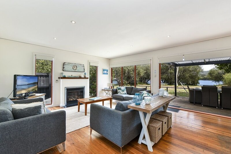 THE LITTLE OYSTER Waterfront Beach House Patonga, casa vacanza a Berowra Waters
