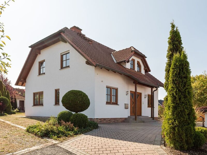 Modern Holiday Home in Willersdorf with Spa, location de vacances à Dautphetal
