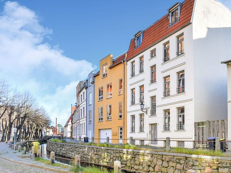 Modern Apartment in Wismar Germany near Beach, holiday rental in Dorf Mecklenburg