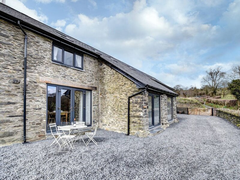 The ideal get-away for couples and small families. Beudy Tanllan cottage has bee, vacation rental in Machynlleth