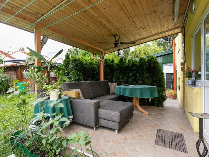 Lively Holiday Home in Wien with Private Garden, holiday rental in Kritzendorf