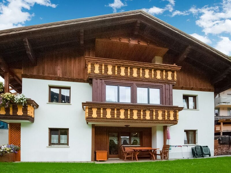 Pretty holiday apartment with open fire directly on the slopes., Ferienwohnung in Vorarlberg