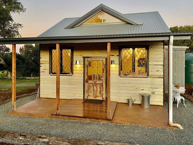 Byron Bay's New! Sunset Cottage, location de vacances à Tyagarah