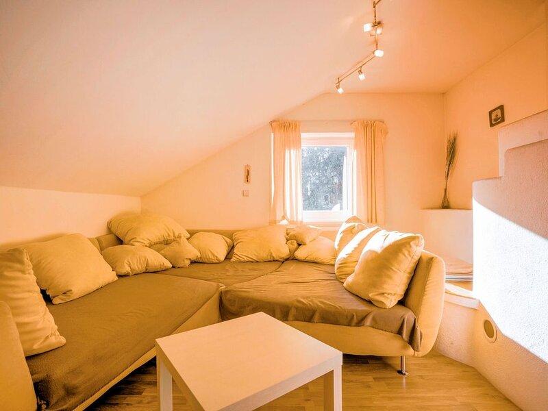Scenic Manison with Sauna near Ski Area in Carinthia, holiday rental in Kreuzen