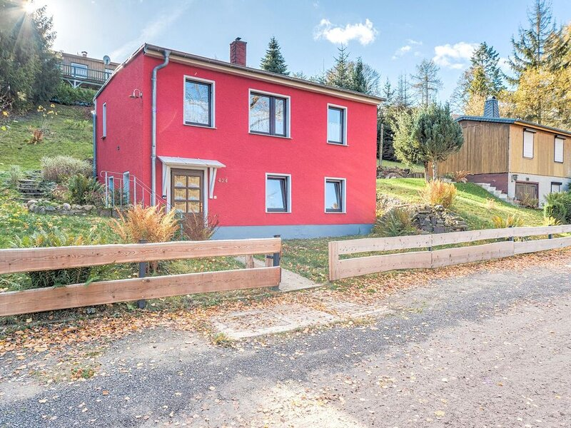 Spacious Apartment near Lake in Guntersberge, vacation rental in Allrode