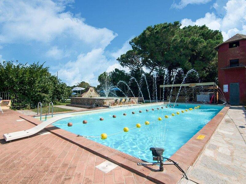 Comfy Farmhouse in Castiglione del Lago with Pool, location de vacances à Castiglione del Lago
