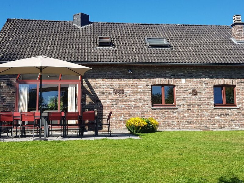 Nice holiday farmhouse located in Sourbrodt near to the ski resort of Ovifat, holiday rental in Robertville