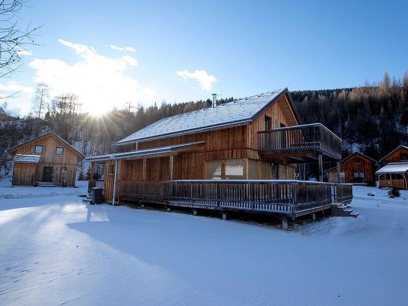 Pretty wooden luxury chalet in a small friendly holiday resort near Kreischberg, holiday rental in Sankt Georgen ob Murau