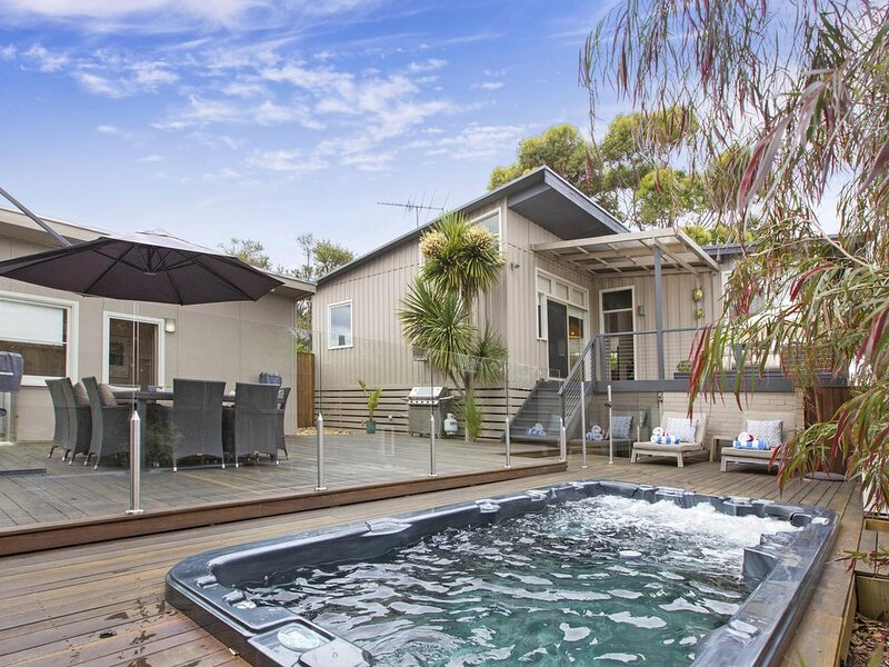 Madeleine Street: heated spa - Stroll to the front beach from this recently reno, holiday rental in Blairgowrie