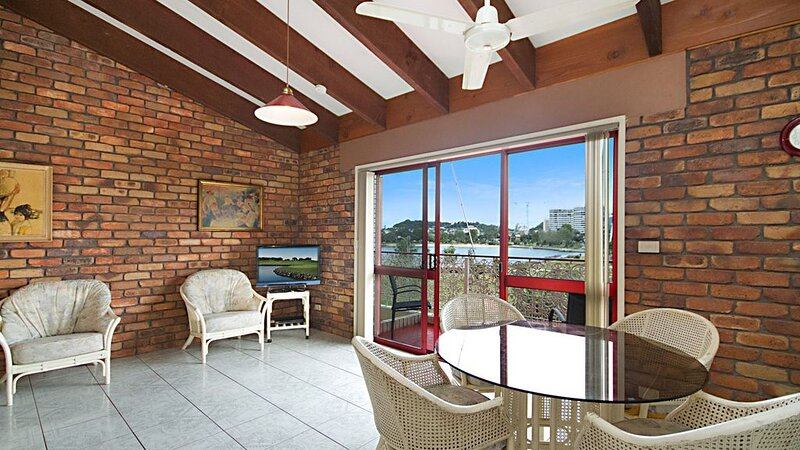Coral Gardens Unit 2 Easy walk to Twin Towns Services Club and beaches, location de vacances à Fingal Head