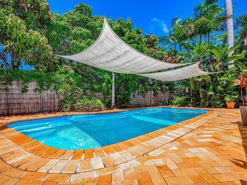 Noosa Heads 3 bed 2 bath house, quiet, private pool, 3 km to Noosa Main Beach, casa vacanza a Noosa