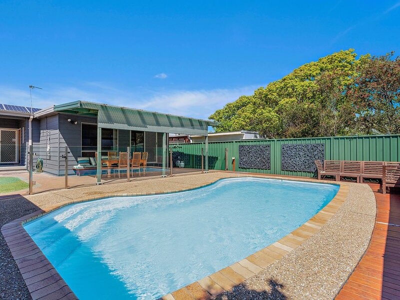 Windang Beach Retreat - The Smithery, vacation rental in Warilla