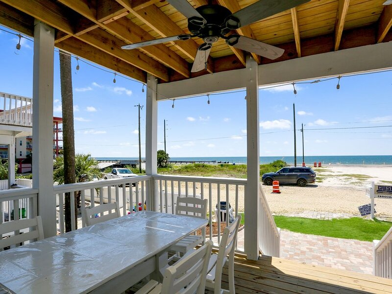Close To The Beach, Steps from Killer Seafood, and Single Family Mexico Beach ~ – semesterbostad i Mexico Beach