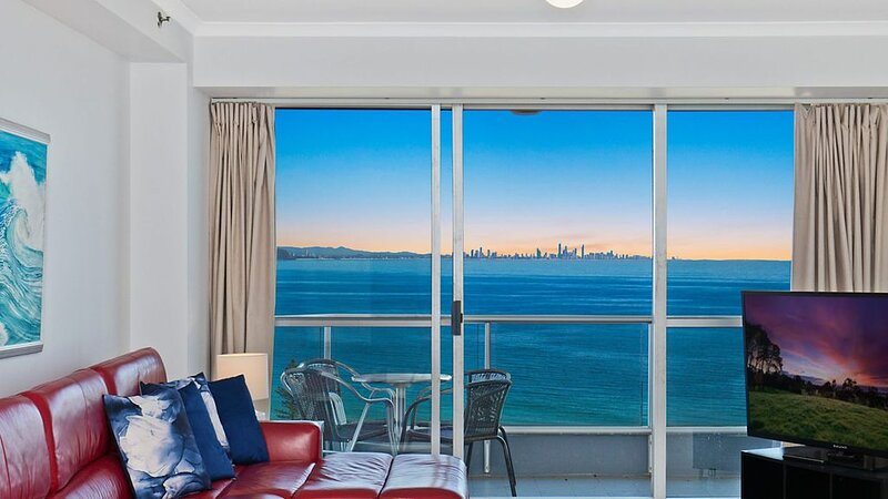 Points North Unit 98- Beachfront complex right in the heart of Coolangatta, holiday rental in Coolangatta