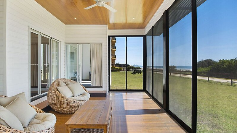 Beachfront Abode - Absolute beachfront holiday house, holiday rental in Bilinga