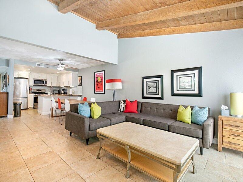 The Getaway II- Surf City Luxury in this 4 bedroom Beach House., holiday rental in Huntington Beach