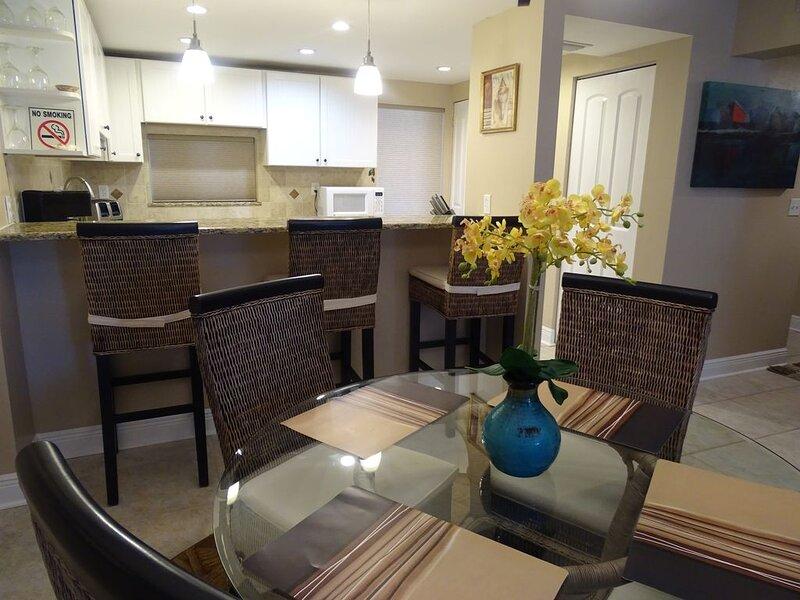 Bay Oaks E-82-Bayside updated!, casa vacanza a Gulf Gate Estates
